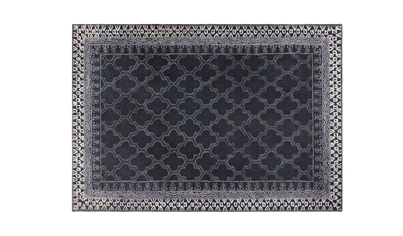 HANDWOVEN CARPET DARK