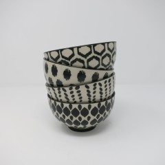 BLACK AND WHITE BOWLS SET OF 4